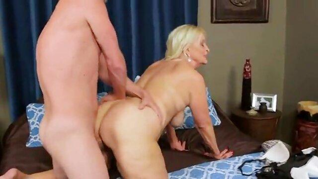 Jizzelle Ryder apanhada por um videos de sexo com velhas gordas negro