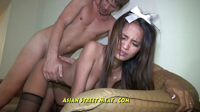 HUNT4K. a jovem filme de sexo de mulher gorda está pronta para sexo por dinheiro após um tratamento de spa